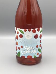 **LOCAL** Threadbare - Sweet Cranberry (25.4oz Bottle)